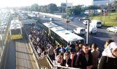 İBB, Altunizade'deki yoğunluk için harekete geçti: Her metro seferi için 3 boş metrobüs durağa gönderilecek