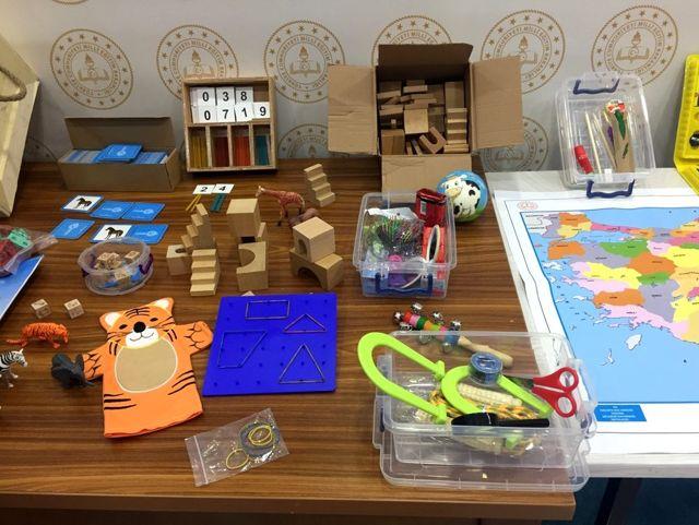 MEB'den kırsal kesimdeki çocuklara 'Benim Oyun Sandığım' paketi