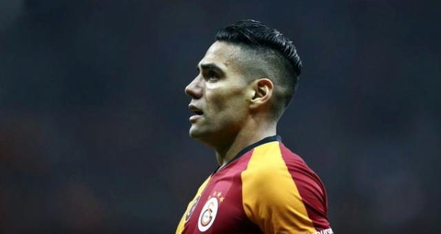 Galatasaray'da Falcao ve Linnes krizi!