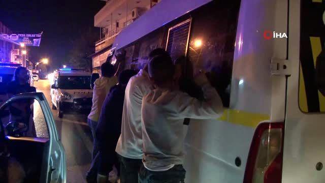 Yüzü maskeli 4 kişi polisten kaçamadı