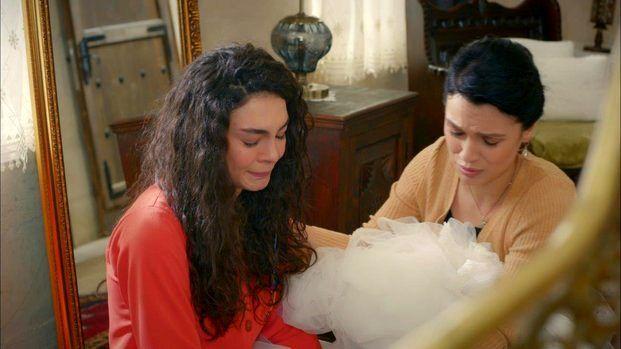 Hercai dizisinin oyuncusu Feride Çetin, Murat Özer ile evlendi