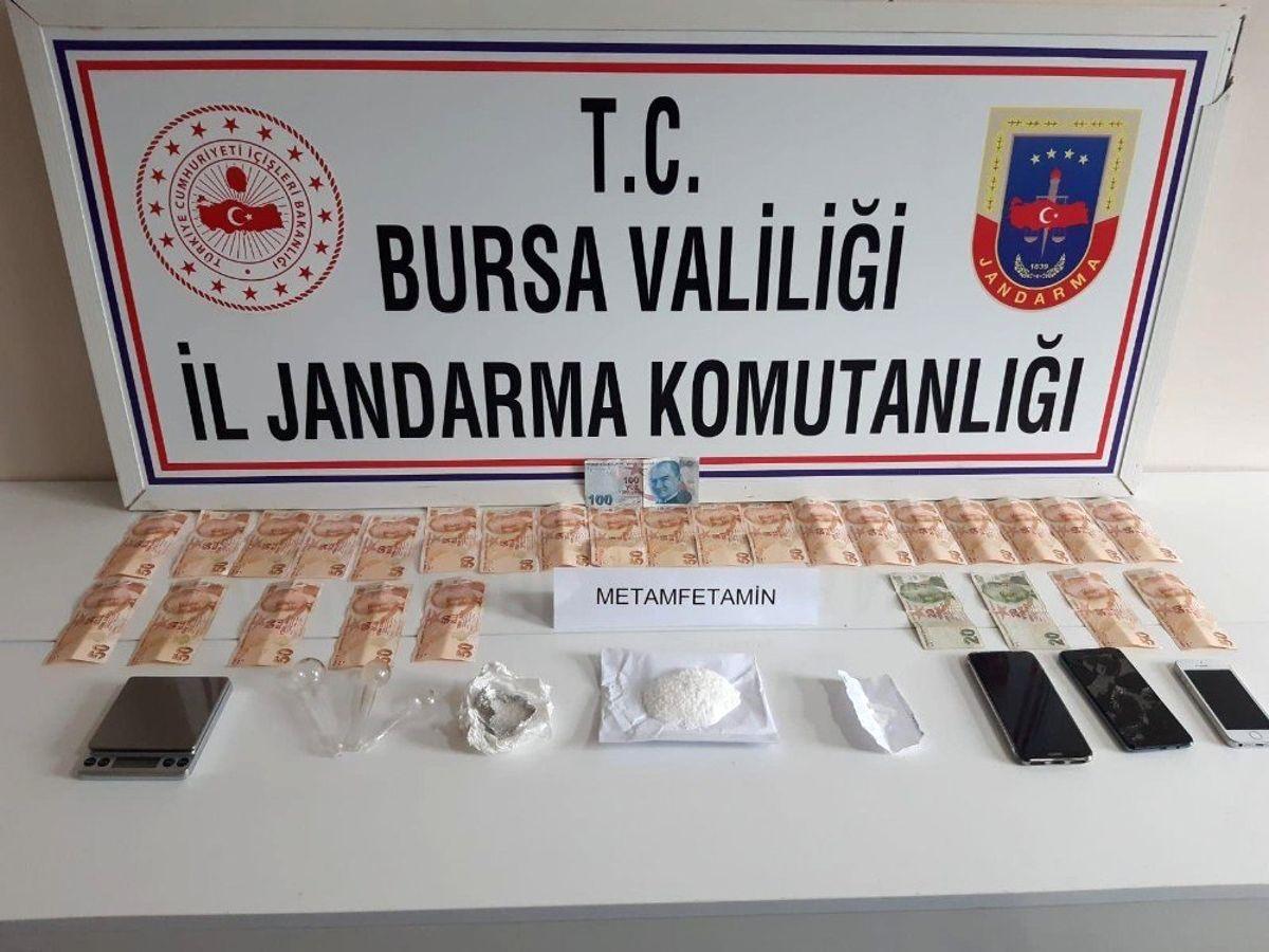İnegöl'de uyuşturucu operasyonunda 3 gözaltı