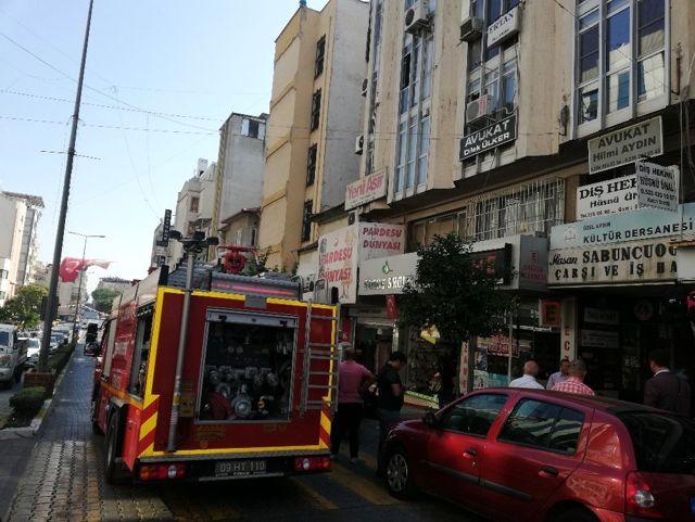Aydın'daki iş hanında yangın paniği