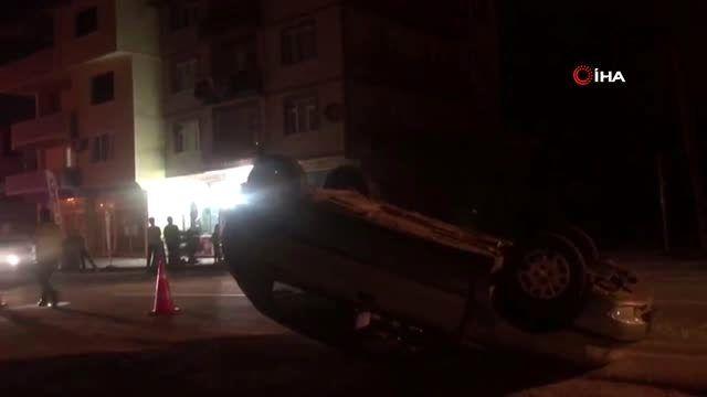 Traktöre çarpan otomobil takla attı: 2 yaralı