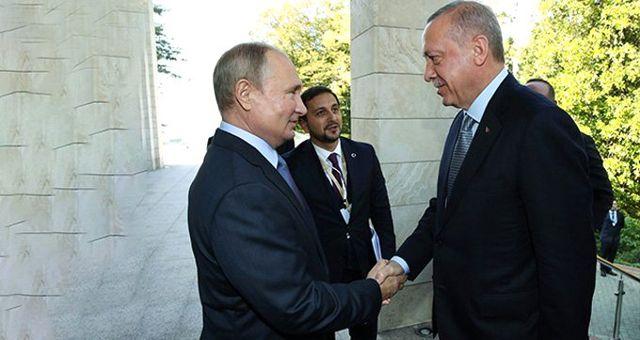 Rusya Devlet Başkanı Putin, Cumhurbaşkanı Erdoğan'ı kapıda karşıladı: Siz geldiniz hava ne güzel oldu