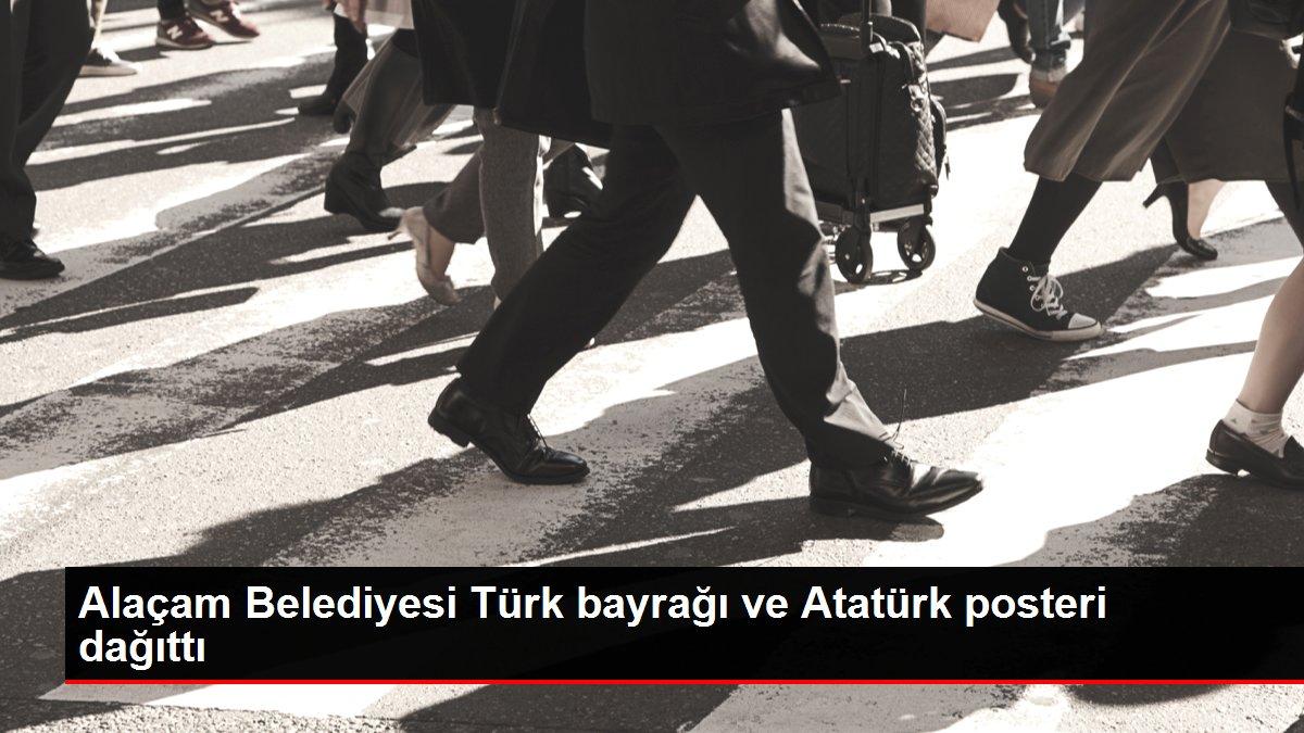 Alaçam Belediyesi Türk bayrağı ve Atatürk posteri dağıttı