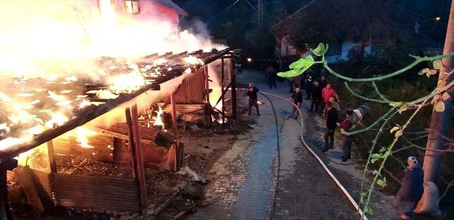 Zonguldak'ta ahır yangını