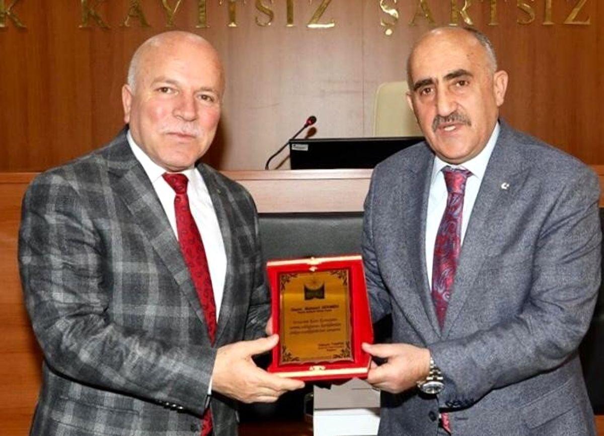 Tanfer, ikinci kez Erzurum Kent Konseyi Başkanı seçildi