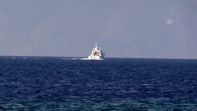 Bodrum'da düzensiz göçmenlerin bulunduğu bot battı