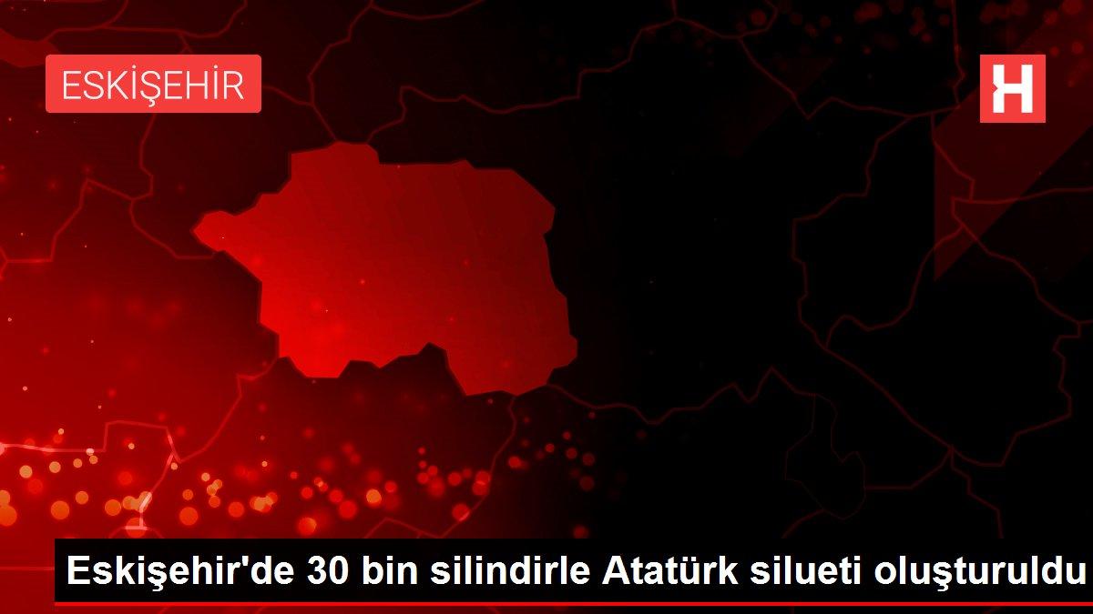Eskişehir'de 30 bin silindirle Atatürk silueti oluşturuldu