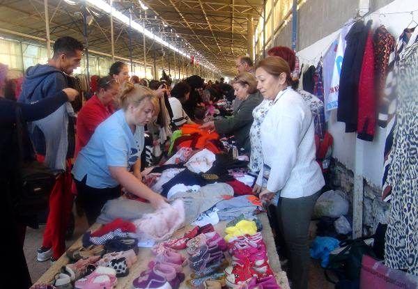 İkinci el kıyafet pazarına yoğun ilgi