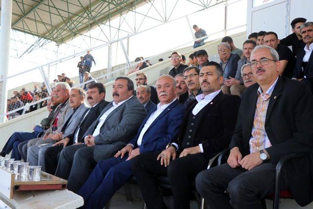 Dinar Belediye Spor Emirdağ Spor ile karşılaştı
