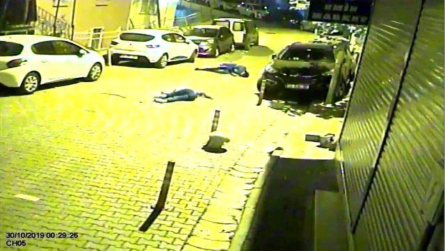 İstanbul'da feci kaza! Motosikletli iki genç takla atarak yere savruldu