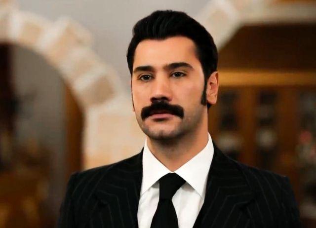 Bir Zamanlar Çukurova'nın oyuncusu Uğur Güneş şarkıcı Reyhan Cansu ile aşk yaşıyor