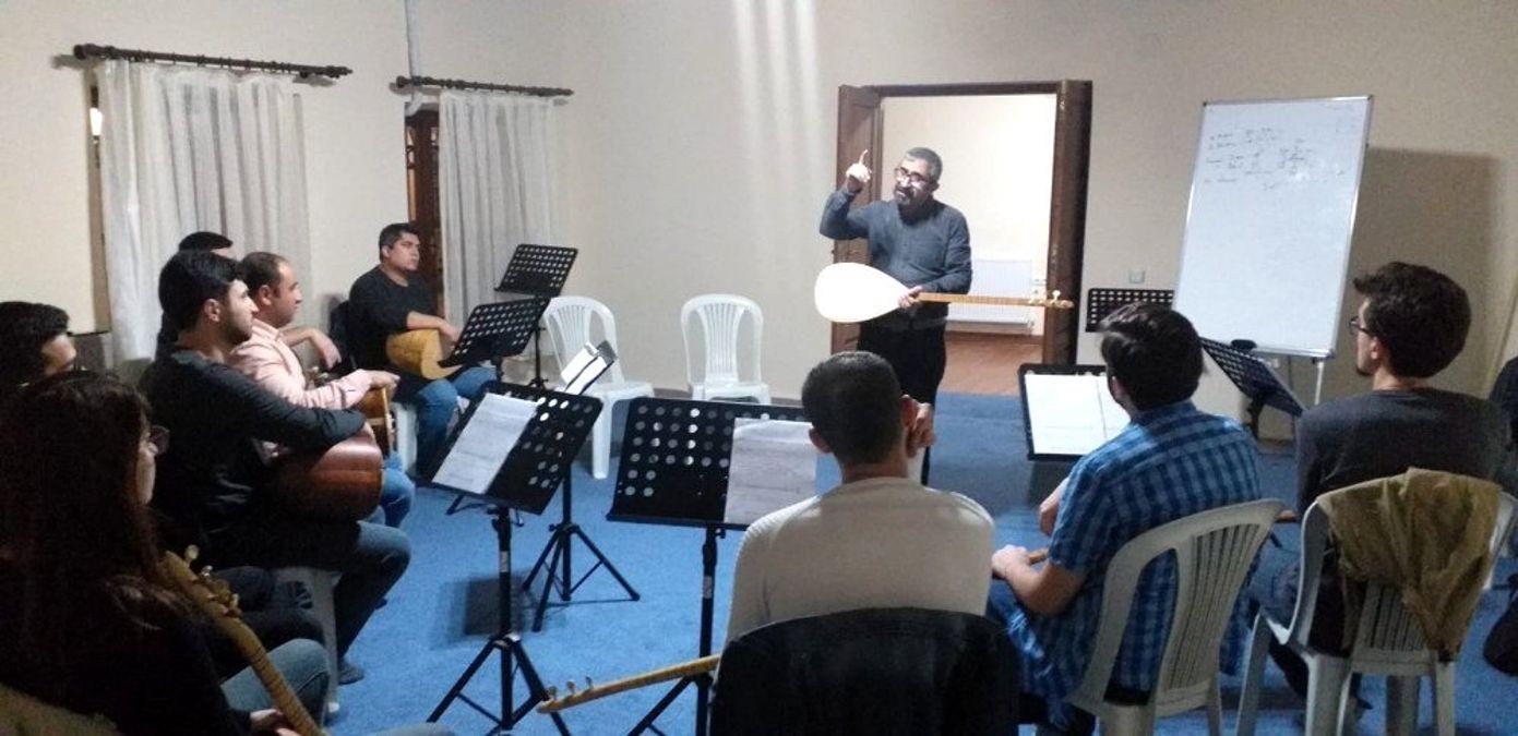 Şehzadeler Belediyesinden bağlama kursu