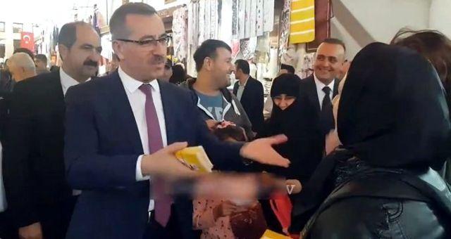 Kahramanmaraş Belediye Başkanı'ndan çarşıda karşılaştığı Trabzonlu kadına tepki çeken sözler: Sizi biz Müslüman yaptık