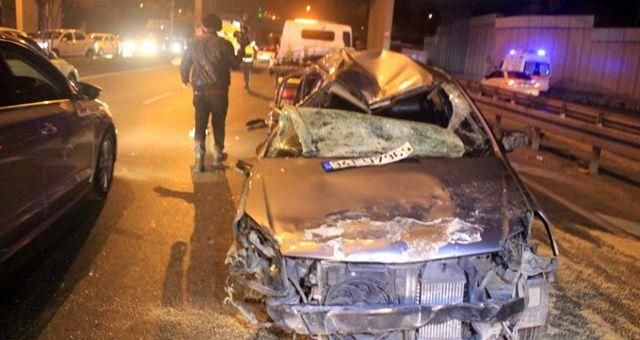 Vatan Caddesi'nde kontrolden çıkan otomobil takla attı: 2'si ağır 3 kişi yaralandı