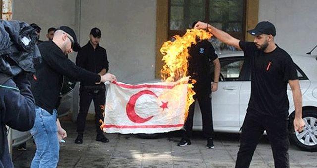Rum yönetiminden 6 gün sonra gelen KKTC bayrağı açıklaması: Yakanları araştıracağız