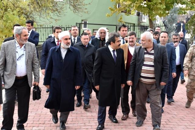 Karacadağ eteklerinde devlet millet el ele