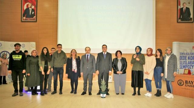 Merkez Valisi Yeter, Bayburt Üniversitesi'nde Kültür ve Yerel Yönetimler konulu konferans verdi