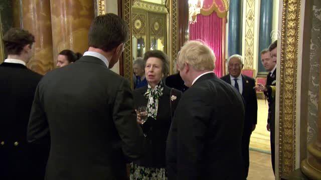 NATO zirvesine katılan liderler, Buckingham Sarayı'nda verilen resepsiyona katıldı (1)