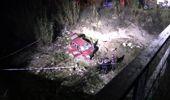 Dereye devrilen otomobildeki muhtar öldü