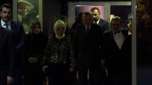 Cumhurbaşkanı Erdoğan, Doğan Grubunun 60. Kuruluş Yıl Dönümü Gala Gecesi'ne katıldı (1)