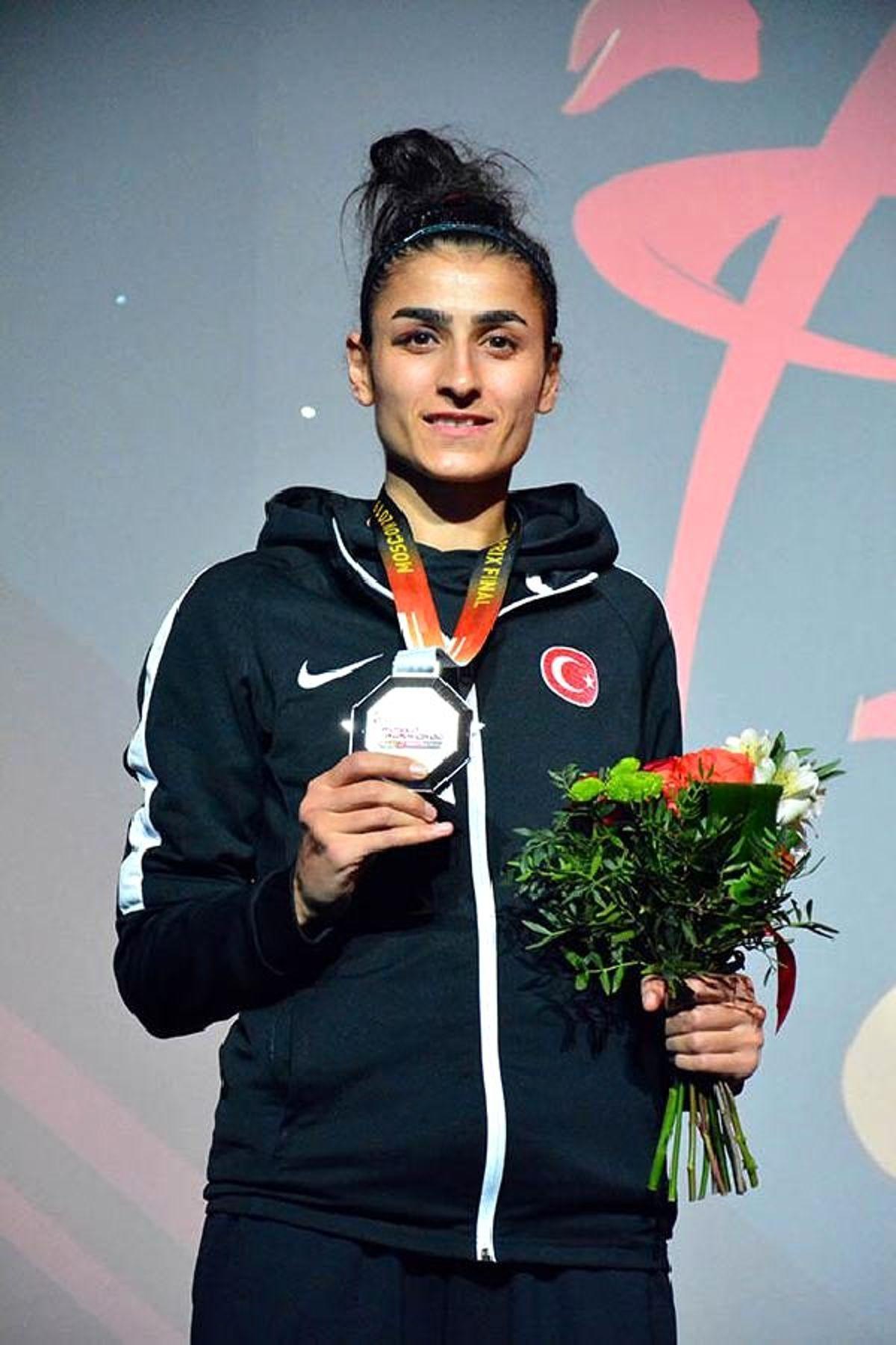 Hatice Kübra İlgün, Olimpiyat vizesi aldı