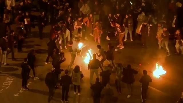 Lübnan'daki hükümet karşıtı gösterileri esnasında bir eylemci kendini ateşe verdi