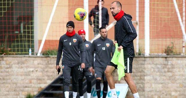 Kriz büyüyor! Süper Lig ekibi bu kez 2 kaptanı kadro dışı bıraktı