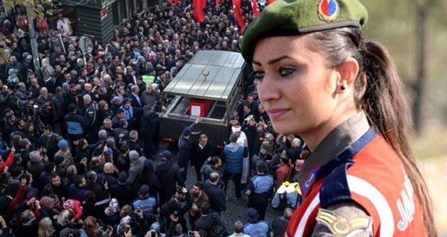 Bomba imha uzmanı Şehit Esma Çevik'in naaşı babaevine getirildi