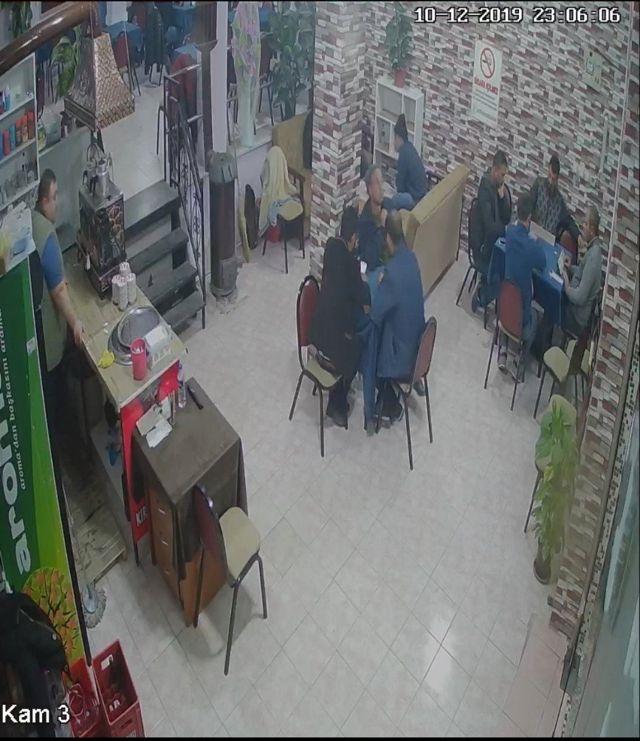 Balıkesir'de deprem anında yaşanan panik kamerada