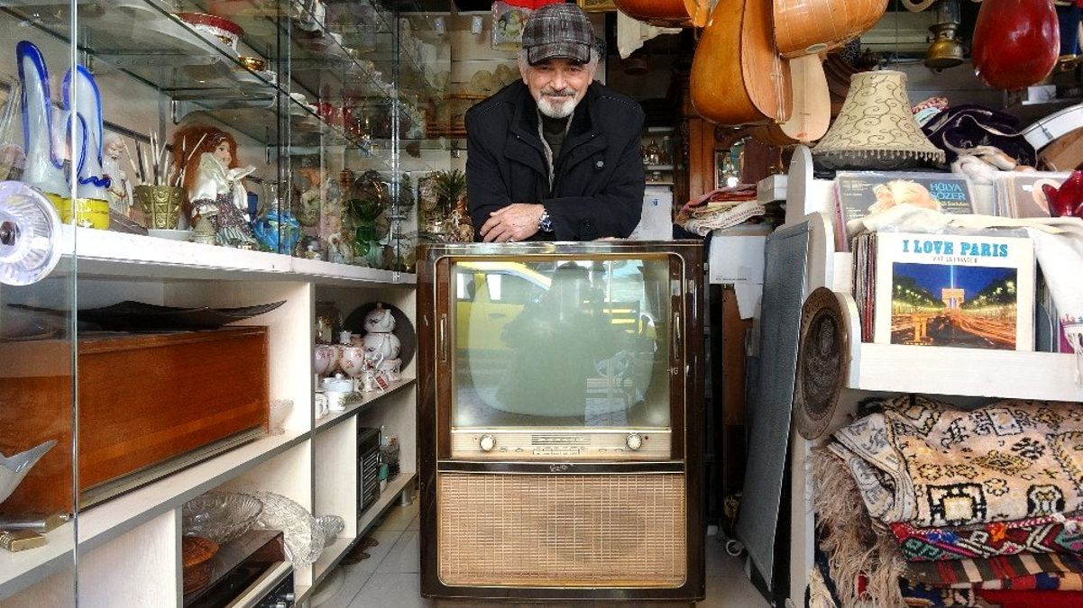 (Özel) 57 yıllık televizyona 10 bin lira değer biçildi