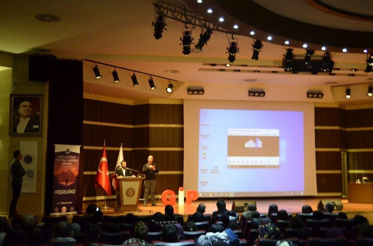 Atatürk Üniversitesinde