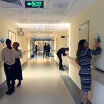Tire'de üniversite öğrencileri, hastane duvarlarına çocuklar için resimler çizdi