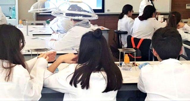 Fen bilgisi dersinde öğretmen ve öğrenciler hastanelik oldu