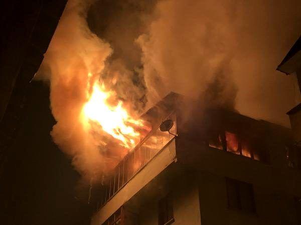 Artvin'de çatı katı 3 saat arayla iki kez yandı