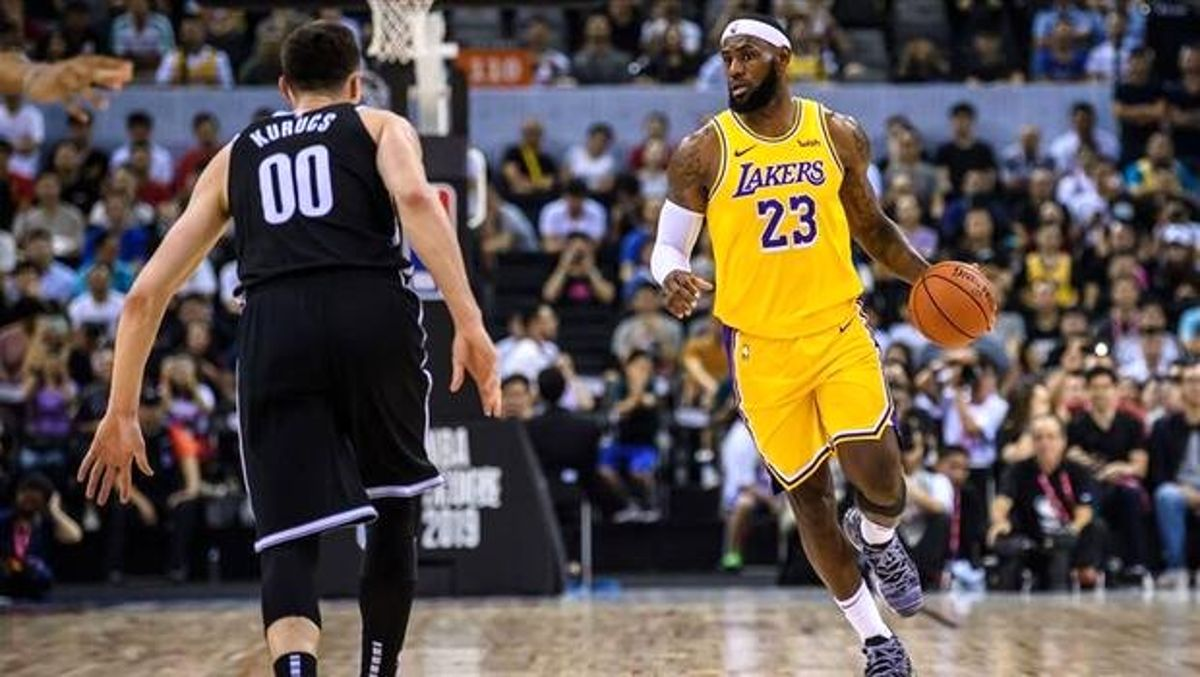 Lakers, LeBron James'in