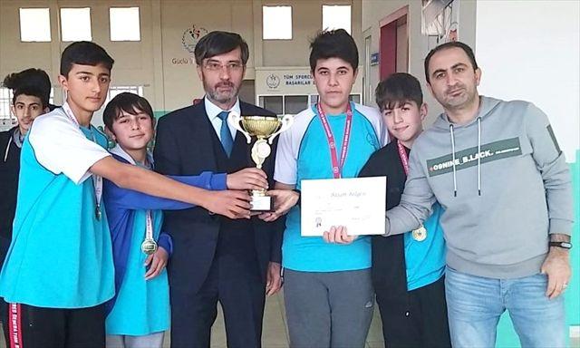 Kırşehir'de yıldızlar ve gençler dart  il birinciliği müsabakaları
