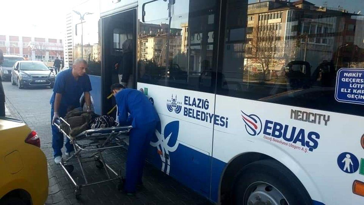 Elazığ'da rahatsızlanan yolcu otobüsle hastaneye yetiştirildi