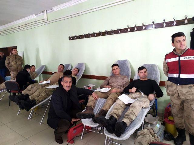 Muradiye'de '1 Ünite Kan, 3 Can' kampanyası