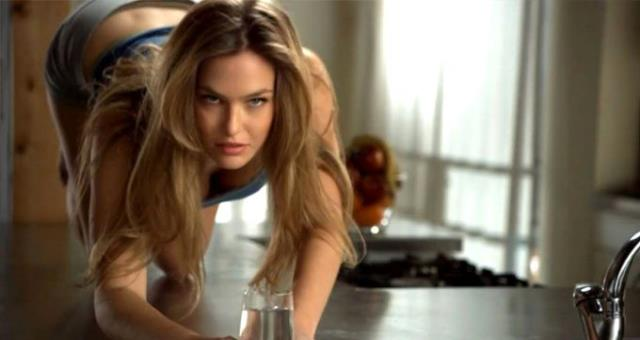 Dünyaca ünlü İsrailli model Bar Refaeli, üçüncü kez anne oldu