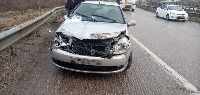 Kırıkkale'de 2 ayrı trafik kazasında 4 kişi yaralandı