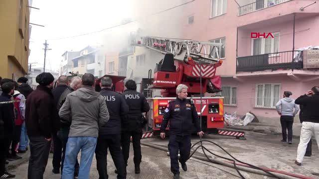Bursa 3 katlı binanın garajında yangın; yaşlı kadın kurtarıldı, kocası öldü