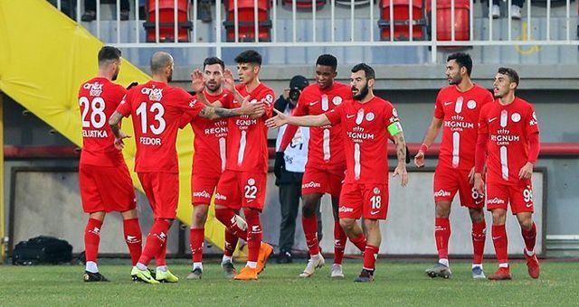 Antalyaspor, Göztepe'yi kupada saf dışı bıraktı
