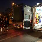 Elektrikli bisiklet yayaya çarptı: 2 yaralı