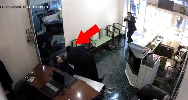 Kara çarşaf giyip kuyumcuyu soymaya çalışan şahıs, çalışan tarafından etkisiz hale getirildi