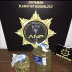 Adıyaman'da toprağa gömülü 1 kilo 700 gram sentetik uyuşturucu ele geçirildi