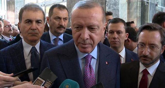 Erdoğan gazetecilerin darbe sorusuna sert çıktı: Böyle bir şeye siz inanıyor musunuz?