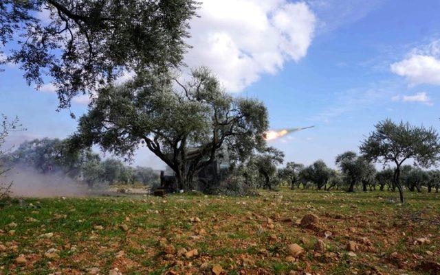 Muhaliflerin İdlib'e başlattığı operasyondan ilk görüntüler geldi